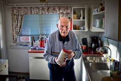 <strong>Jan Uitham, werd 2de achter Reinier Paping bij de Elfstedentocht van 1963.</strong>